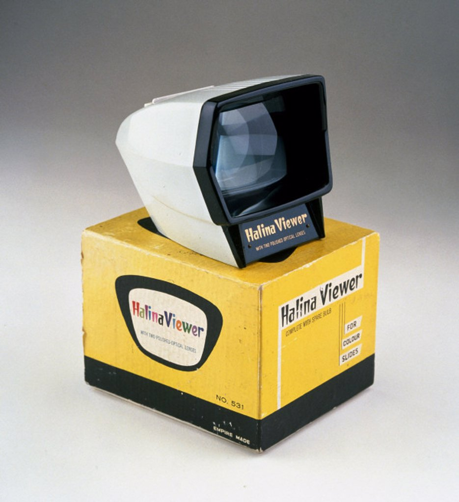 Stock Photo: 1895-6624 Halina slide viewer, c 1960.