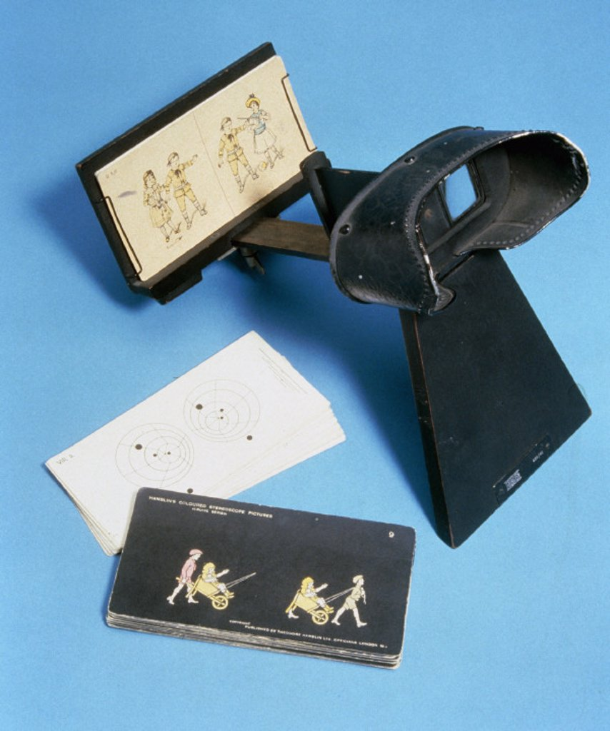 Stock Photo: 1895-7876 Whittington stereoscope with slides, 1925-1940.