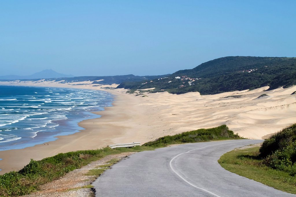 Road taking one to Maitlands Beach, Maitlands Beach, Eastern Cape, South Africa : Stock Photo