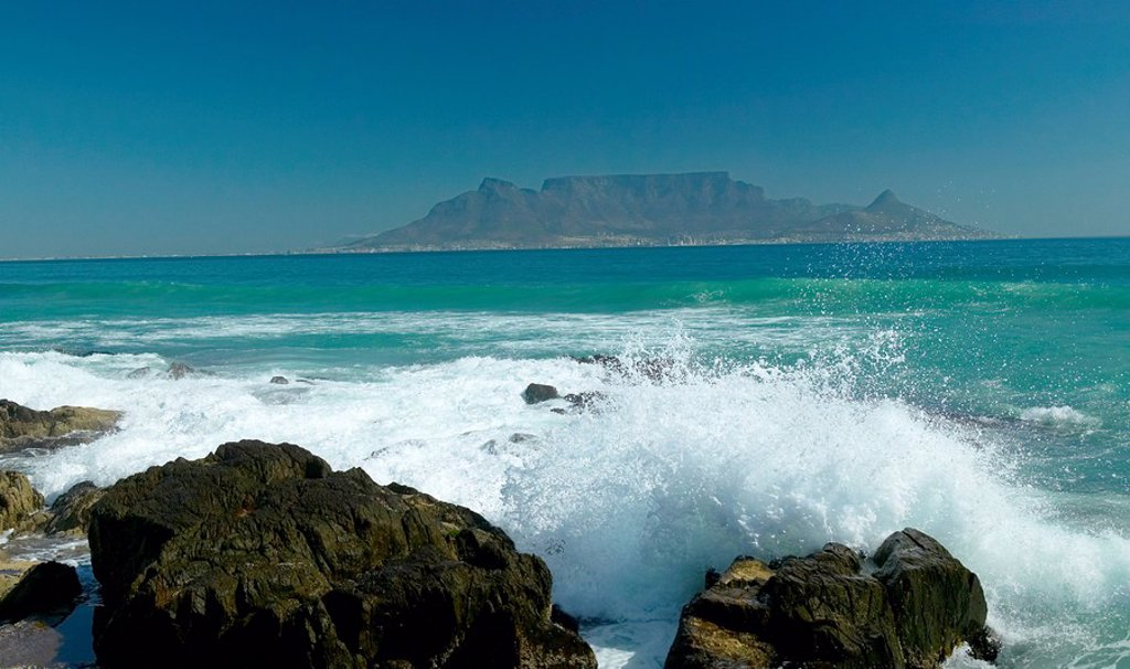 Scenic View of Table Mountain  Bloubergstrand, Western Cape Province, South Africa : Stock Photo