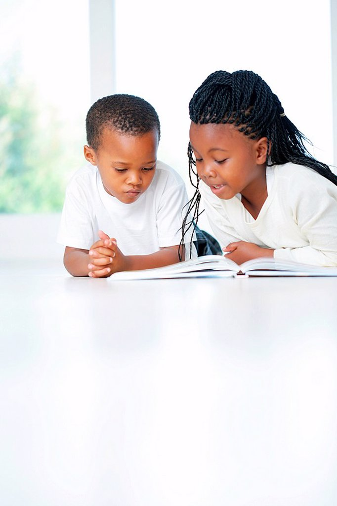African Brother and Sister Reading  Cape Town, Western Cape : Stock Photo