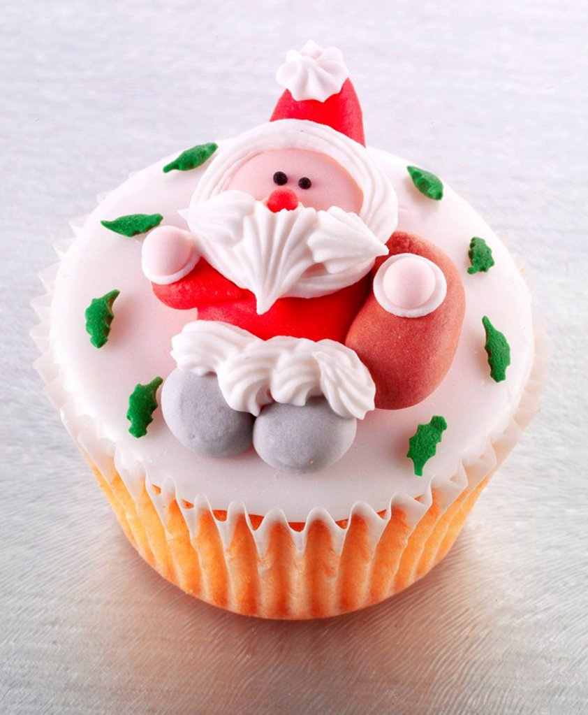 Stock Photo: 1898-14191 Single Christmas Cupcake