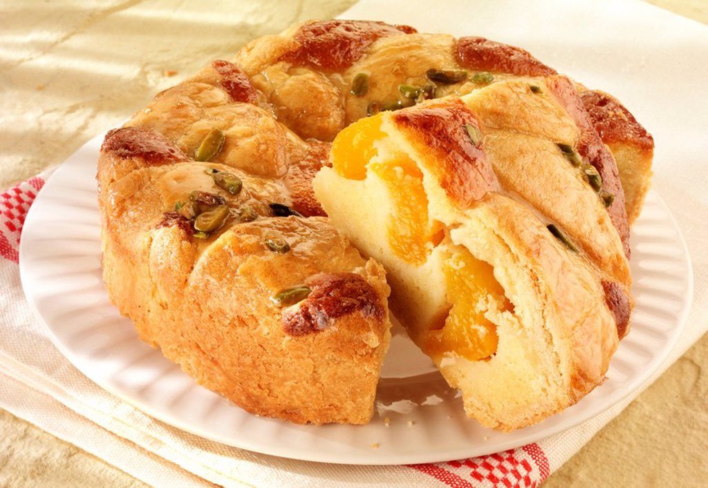 French Apricot And Pistachio Croustade : Stock Photo