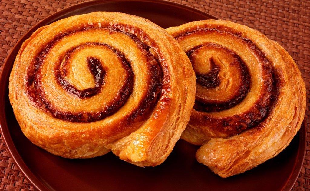 Stock Photo: 1898-15279 Cinnamon Whirl Pastries