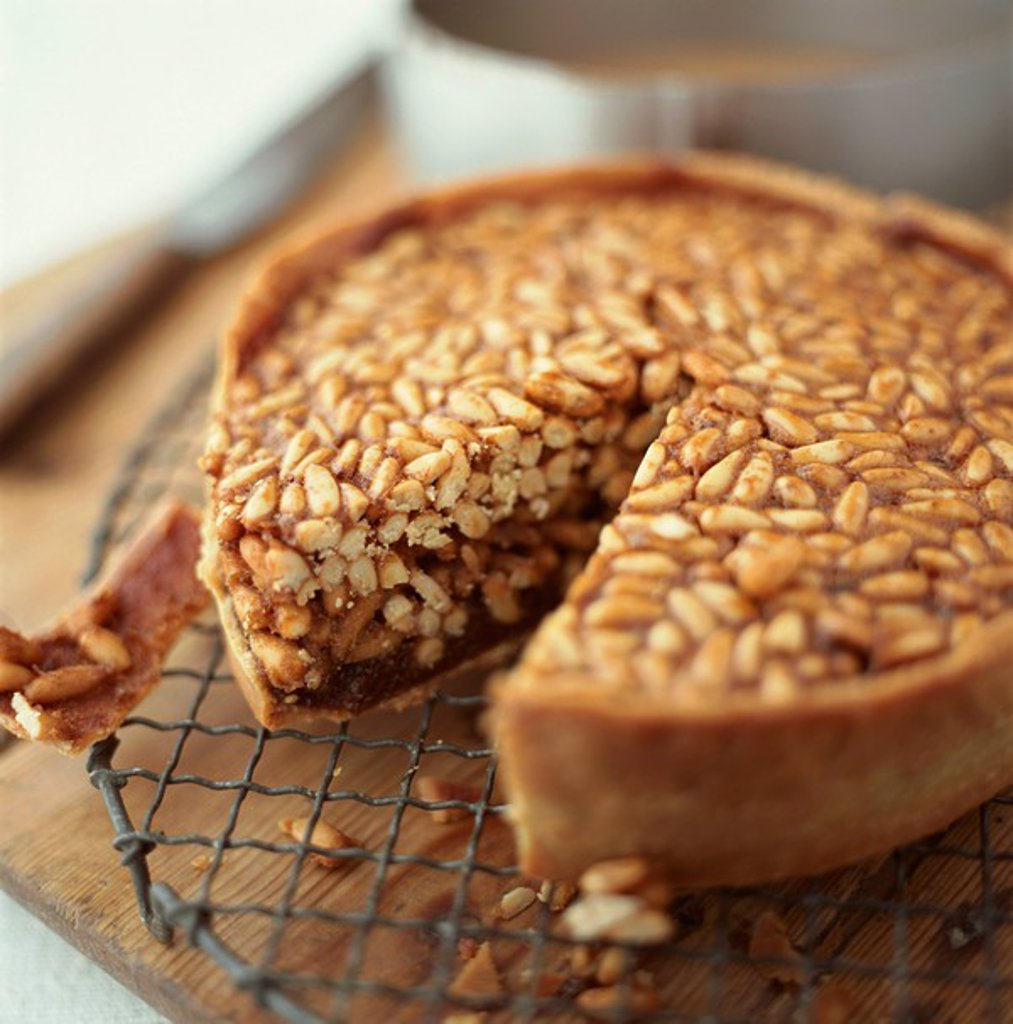 Stock Photo: 1898-22711 Pinenut Tart
