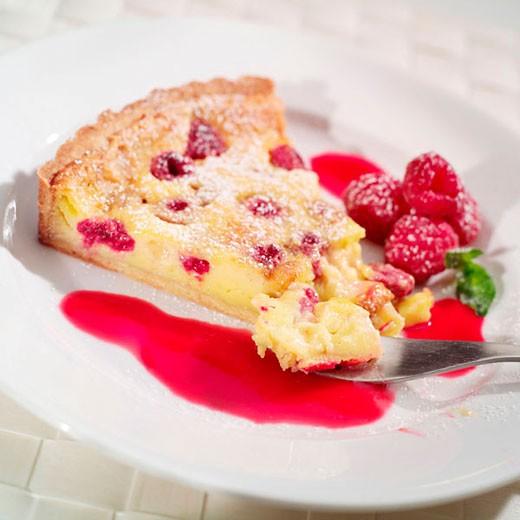 Raspberry tart : Stock Photo