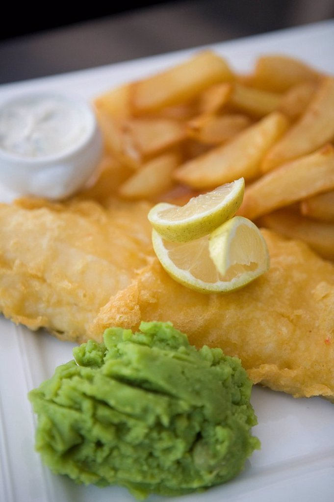 Stock Photo: 1898-32287 Cod and chips