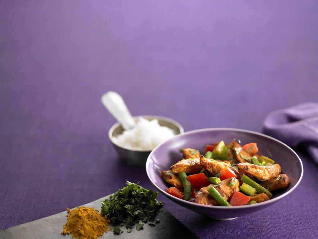 Chicken and bean stir fry : Stock Photo