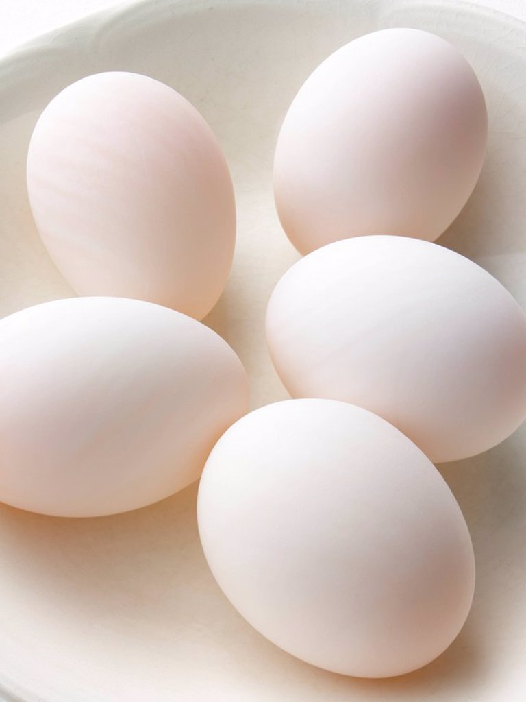 Stock Photo: 1898-35593 White Eggs