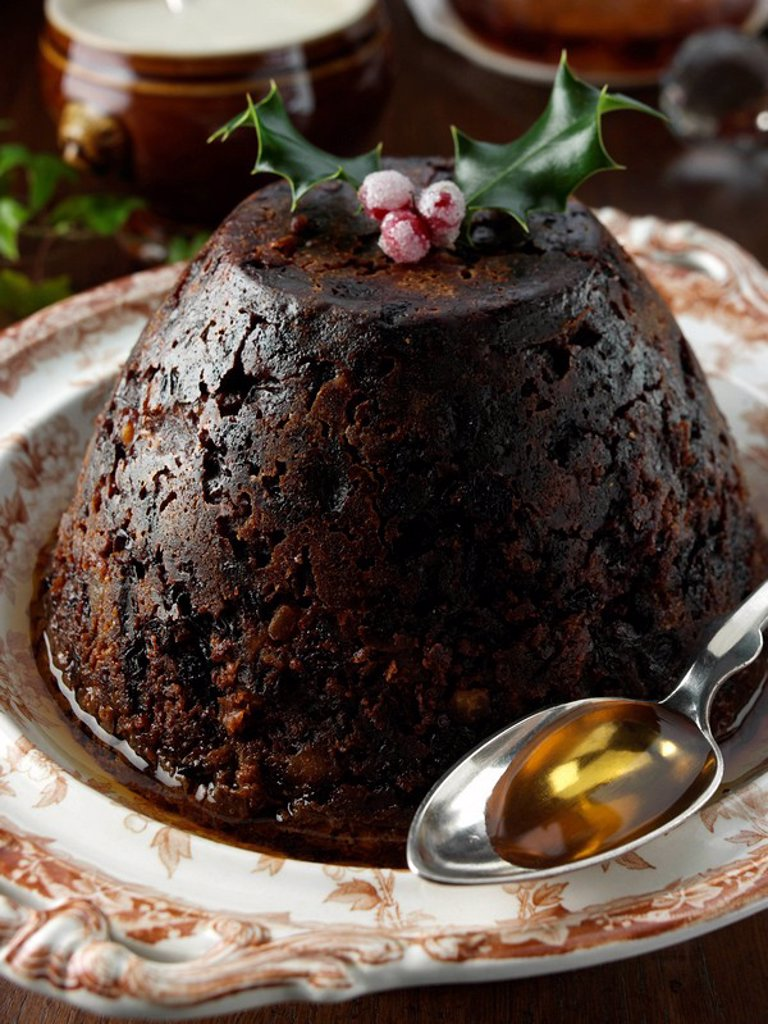 A whole Christmas pudding : Stock Photo