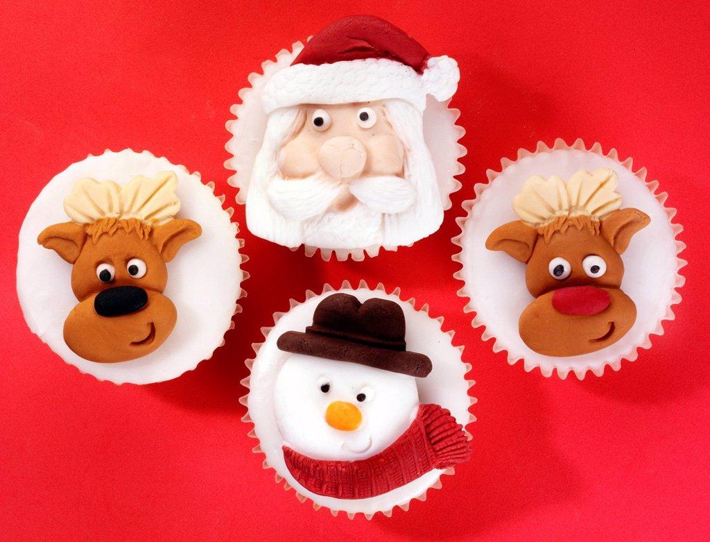 Stock Photo: 1898-45482 Seasonal Christmas cupcakes