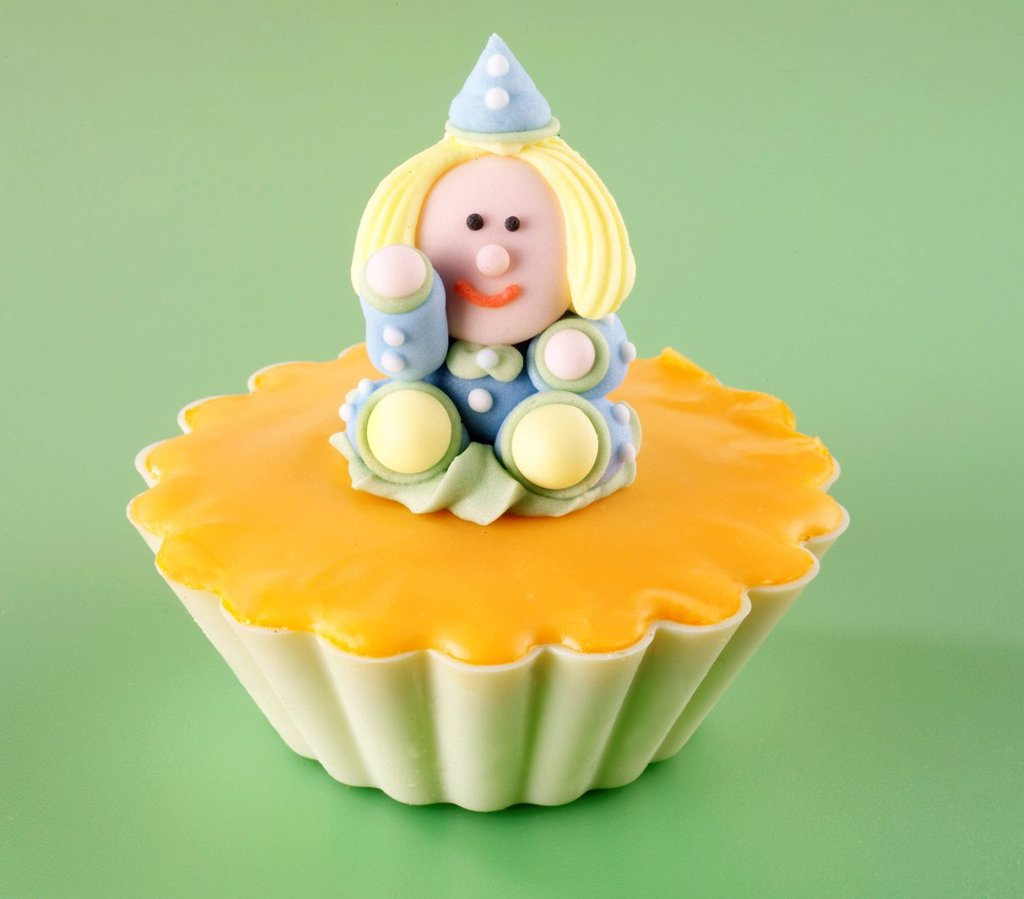 Stock Photo: 1898-45519 Character cupcake