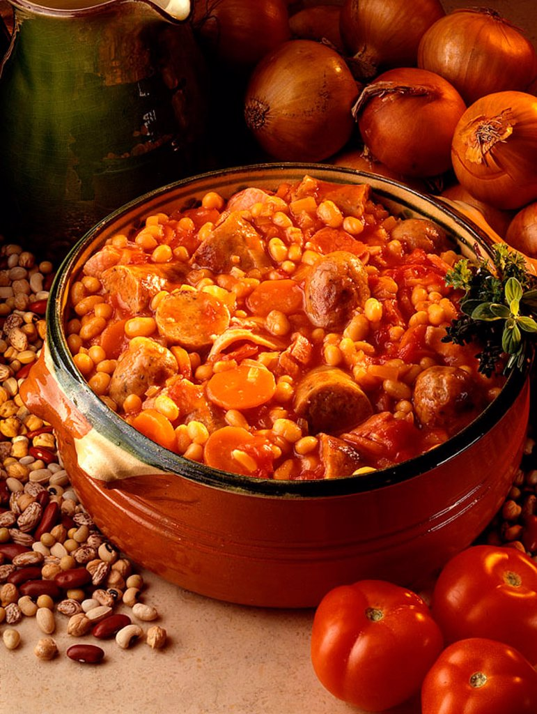 Traditional pork and beans : Stock Photo