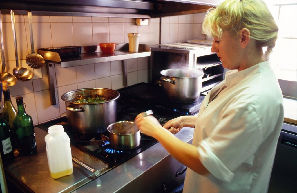 Stock Photo: 1898-47689 Chef in kitchen