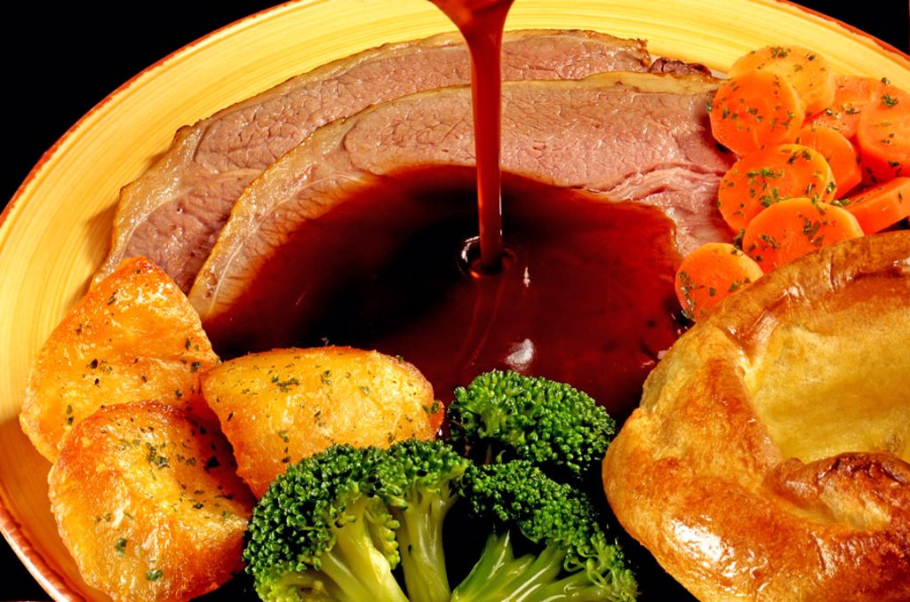 Roast beef, Yorkshire, and vegetables : Stock Photo