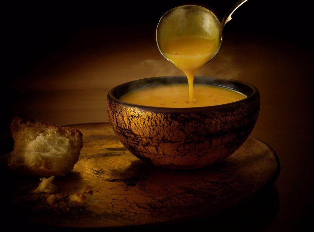 Butternut squash and chili soup : Stock Photo