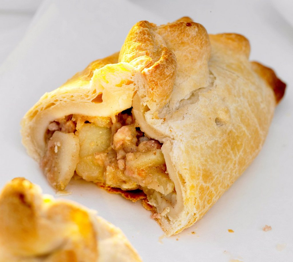 Stock Photo: 1898-49202 Cornish pastie pasty cut