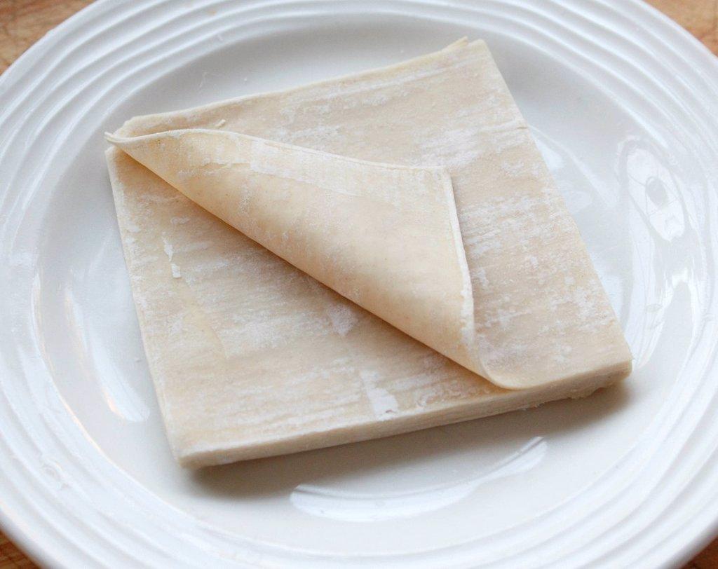 Stack of Won Ton Dim Sum Pastries _ step shot : Stock Photo
