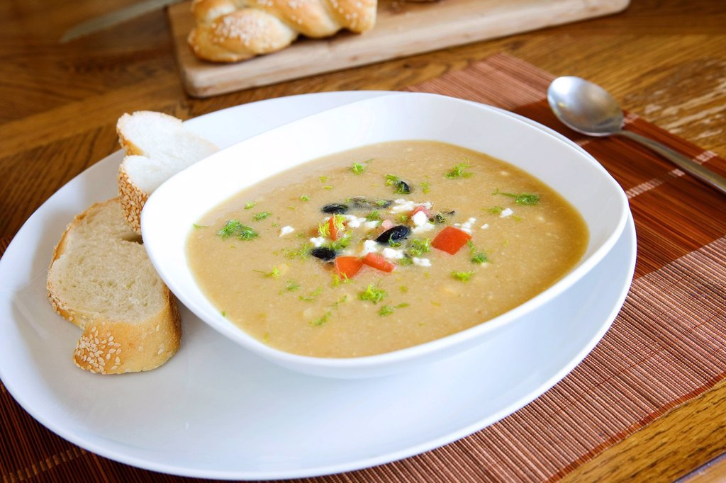 Cauliflower, Fennel and Goats Cheese Soup _ with recipe : Stock Photo
