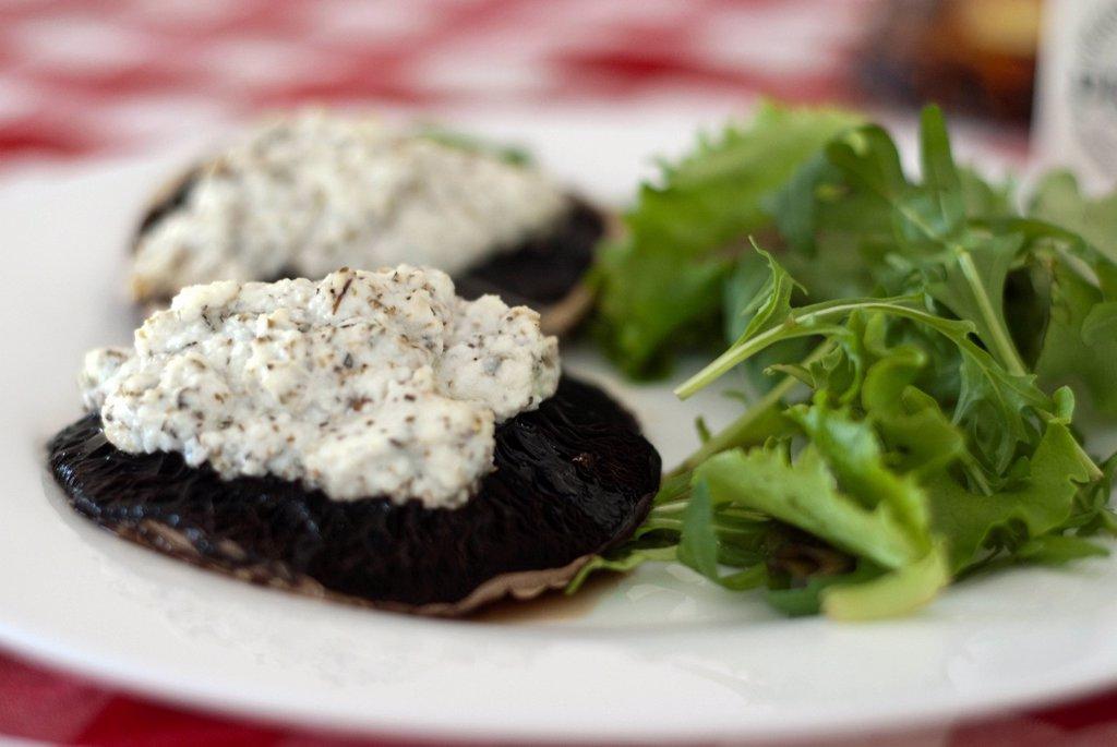 Ricotta on Portobello Mushrooms with Rocket Salad : Stock Photo