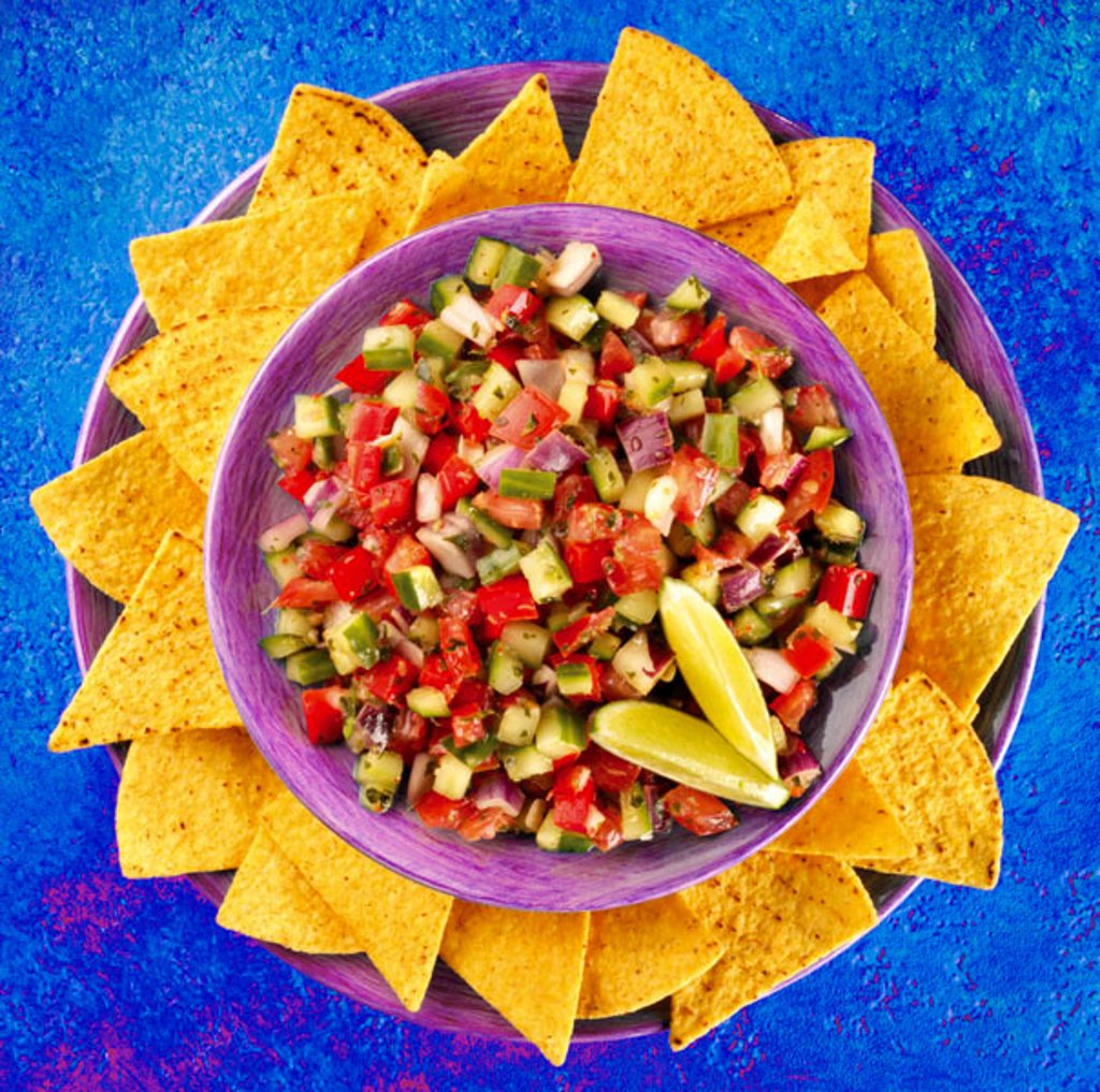 Stock Photo: 1898-5239 Nachos ans Salsa