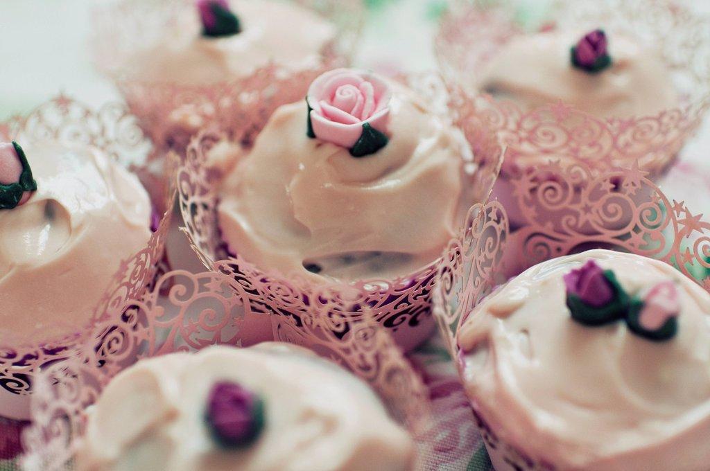 Stock Photo: 1898-53247 Cupcakes