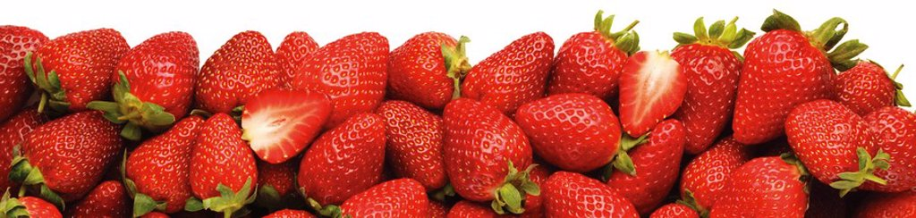 LINE OF STRAWBERRIES : Stock Photo