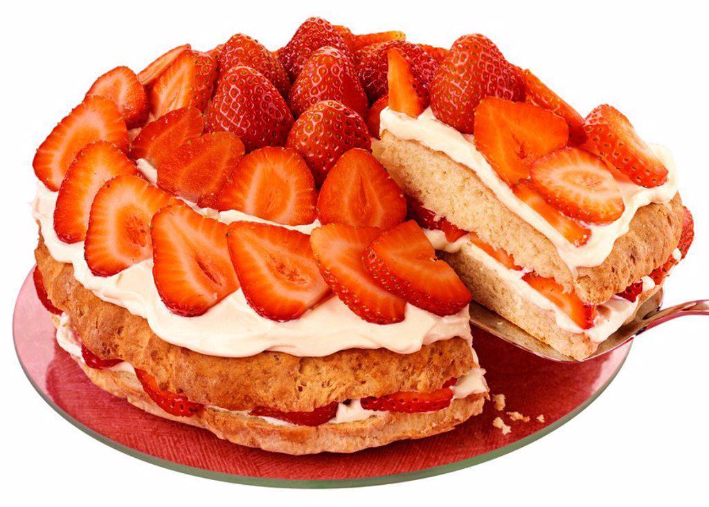 STRAWBERRY CREAM CAKE : Stock Photo