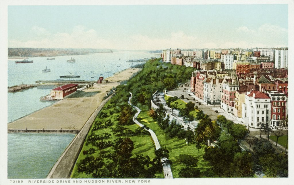 Riverside Drive and Hudson River, New York Postcard. ca. 1905-1939, Riverside Drive and Hudson River, New York Postcard  : Stock Photo