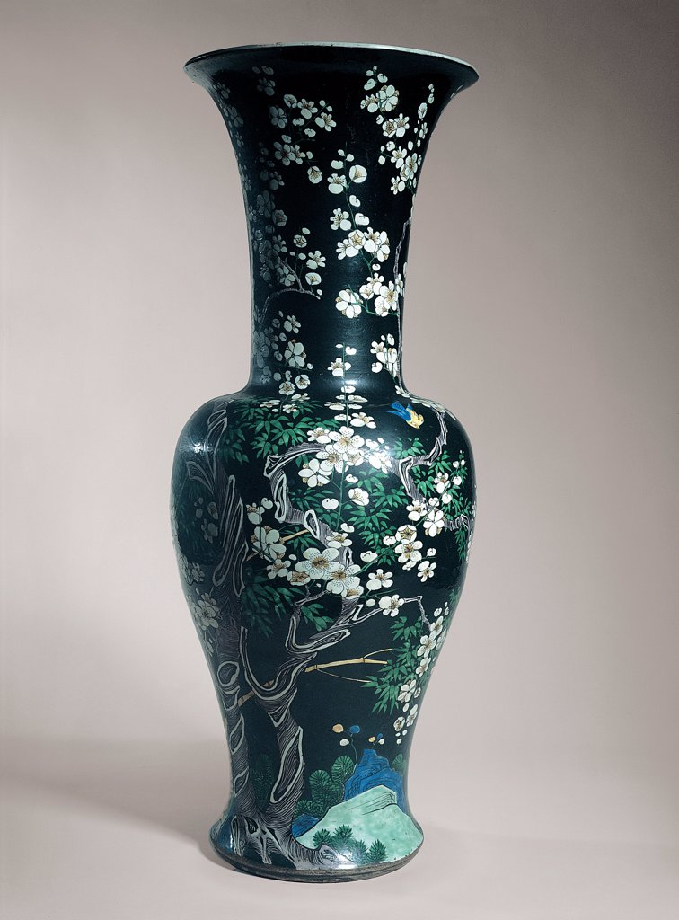 Stock Photo: 1899-30342 China vase, by Unknown, 17th Century, porcelain. Italy, Campania, Naples, Duca di Martina National Museum. Whole artwork. China vase floral decorations rinceaux.