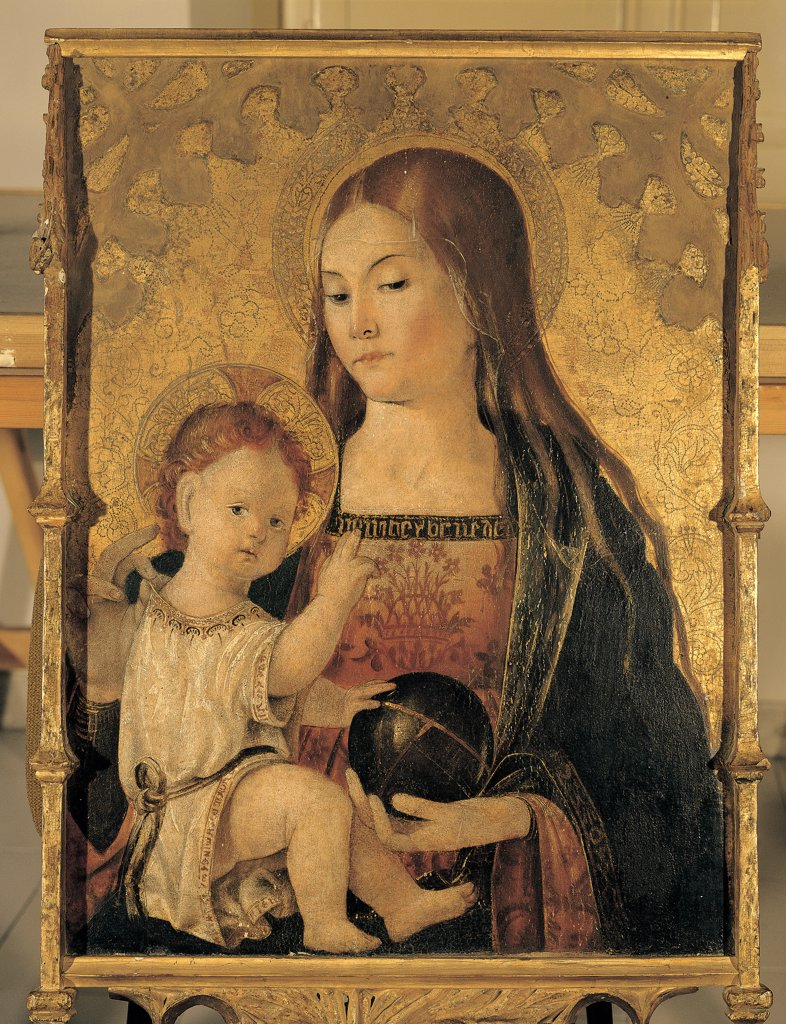 Madonna with Child, by Valenza Master, 15th Century, tempera on board. Italy, Sardegna, Sassari, Cathedral. Whole artwork. Processional banner Madonna Baby: Child Jesus inscription dress: robe: garment decoration mantle: cloak globe sphere nimbus halo: aureole background gold red black white brown tones: shades. : Stock Photo