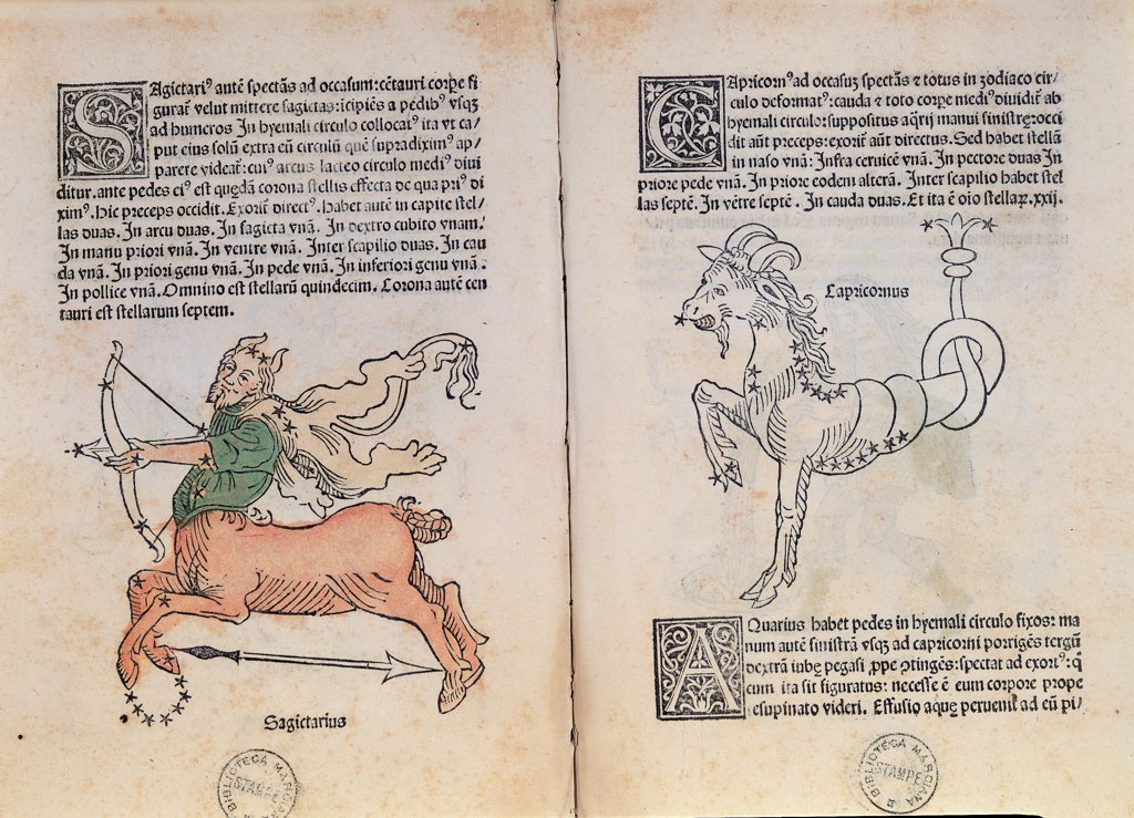 First Edition of the Poeticon Astronomicon by Hyginus, by Ratdolt Erhard, 1485, 15th Century, engraving. Italy, Veneto, Venice, Marciana Library. Whole artwork. Sagittarius Capricorn two pages initial letter decorated inscriptions signs of the zodiac animal decoration man bow arrow lance: spear constellation stars centaur horns goat horse edition green brown red yellow ma. : Stock Photo