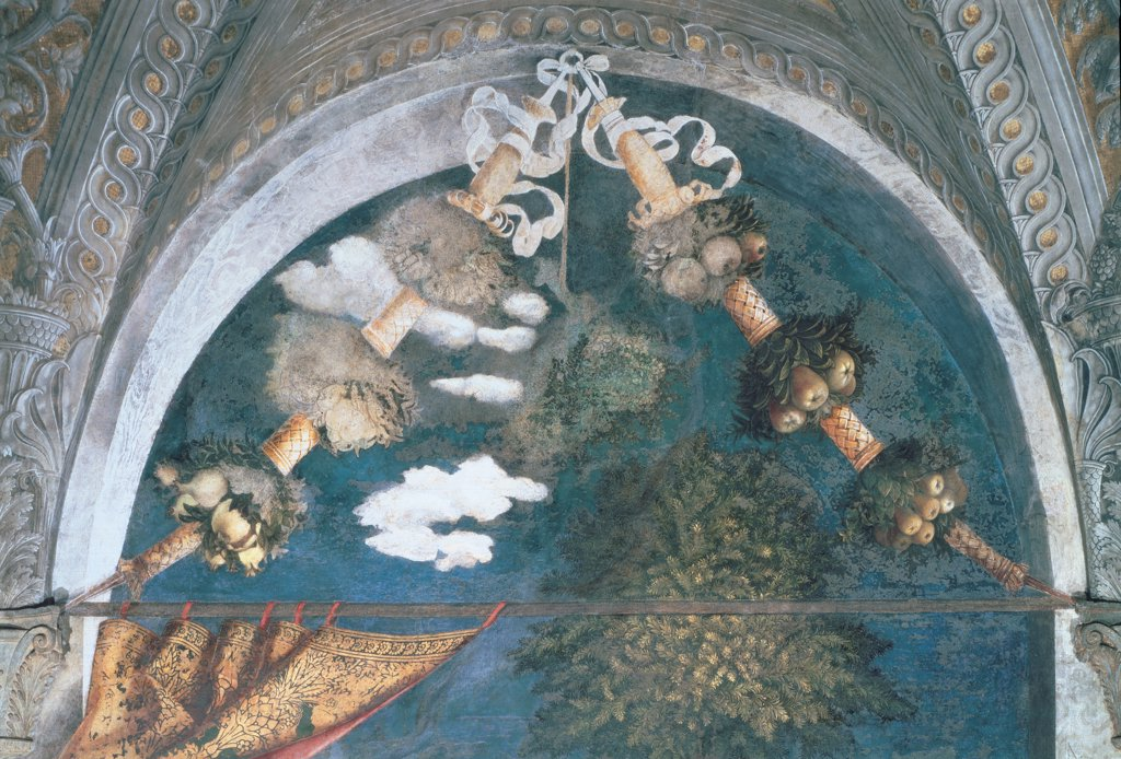"Decoration of the Camera degli Sposi (Camera Picta), by Mantegna Andrea, 1465 - 1474, 15th Century, fresco and """"dry"""" tempera. Italy, Lombardy, Mantua, Ducal Palace. Detail. Upper central lunette wreaths: festoons leaves fruit decoration colors curtains tree foliage trompe-l'oeil. : Stock Photo"
