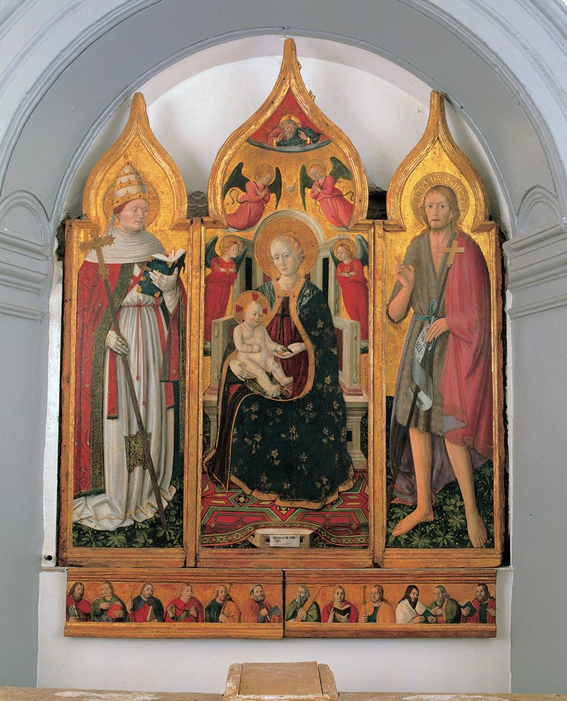 Enthroned Madonna and Child with Sts John the Baptist and Clement Pope, by Antonio da Fabriano, 1474, 15th Century, tempera and gold on board. Italy, Marche, Genga, Ancona, San Clemente church. Whole artwork. Altarpiece triptych cusps inflected arch predella throne Madonna Holy Virgin Mary mother Child Jesus son holy conversation saints miter pontiff pope: mitre carpet colors gold scroll inscription signs: standards sym. : Stock Photo