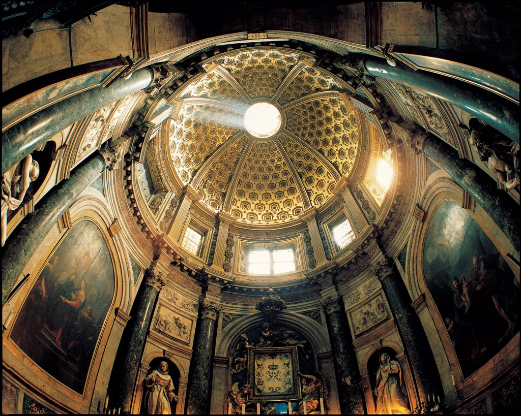 Stock Photo: 1899-31874 Chigi Chapel or Votive Chapel, cathedral, H41Siena, by Bernini Gian Lorenzo, 1658 - 1664, 17th Century, lapis lazuli, marbles. Italy, Tuscany, Siena, Cathedral. Interior foreshortened view round space vertical columns (first tier) grooved pilaster-strips (attic) liernes: tiercerons dome coffers oculus.