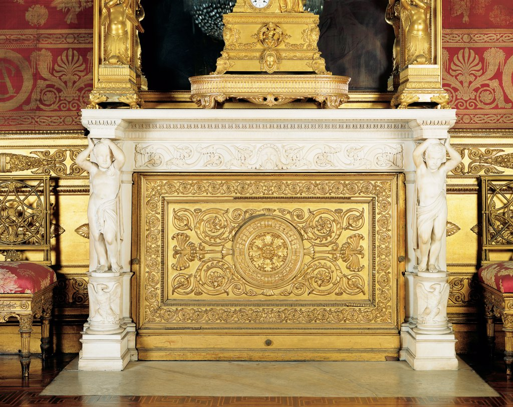 Fireplace, by probably Gaggini Giuseppe, drawing Palagi Pelagio, 1838 - 1842, 19th Century, wood carved and gilded, marble. Italy, Piemonte, Turin, Royal Palace. Whole artwork. Front view fireplace decorations phytomorphic volutes rinceaux spirals gilt: gilding Atlases eagles mantelshelf. : Stock Photo