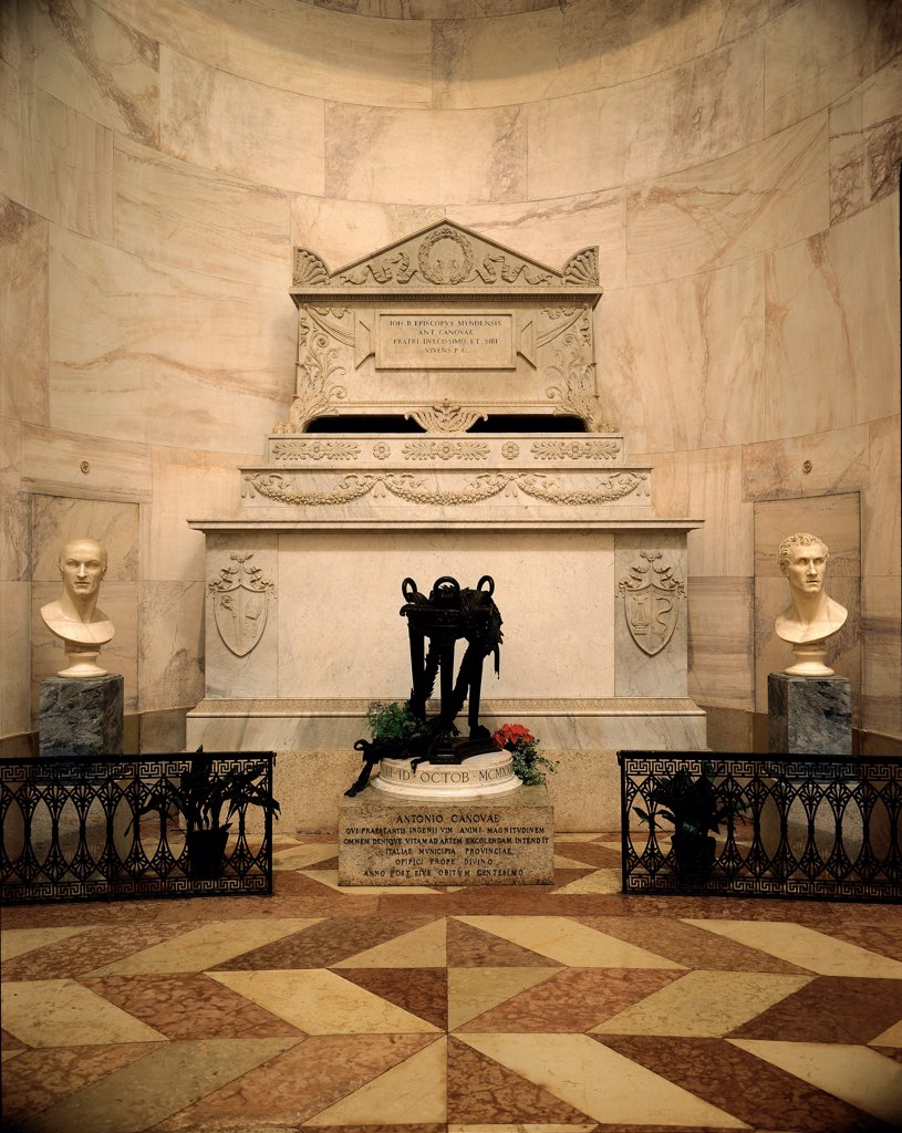 Stock Photo: 1899-32320 Canova's Tomb, by Canova Antonio, 1822 - 1830, 19th Century, Unknow. Italy, Veneto, Possagno, Treviso, Canova's Temple. View sarcophagus sepulcher Canova portrait face.