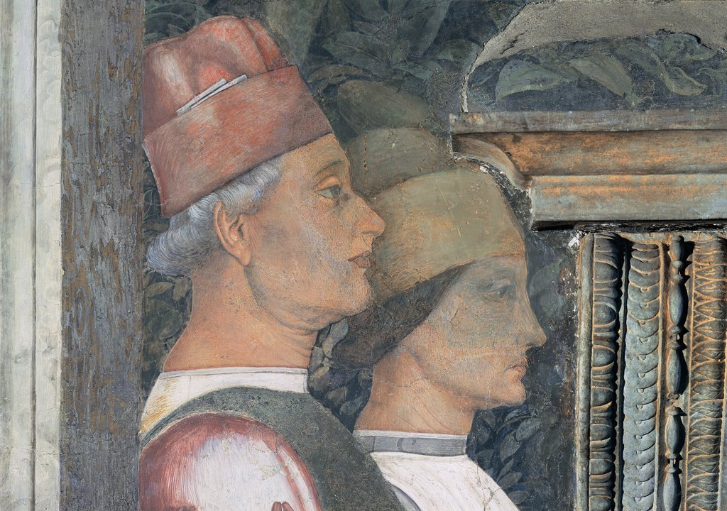 Decoration of the Camera degli Sposi (Camera Picta), by Mantegna Andrea, 1465 - 1474, 15th Century, fresco and dry tempera. Italy. Lombardy. Mantua. Ducal Palace. West wall. The meeting between Ludovico Gonzaga and his sons Francesco and Federico. Central episode. Detail of profile of the two servants red yellow gold hat head gear/headdress : Stock Photo