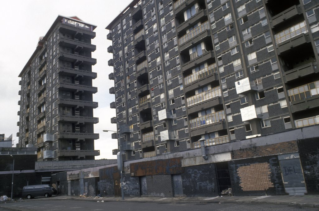 Preparation for demolition, Queen Elizabeth Square flats, Gorbals, Glasgow. Built in 1965 demolished in 1993. Scotland.  : Stock Photo