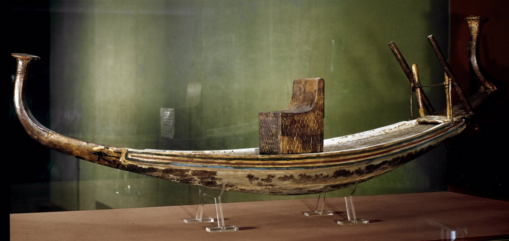 Egyptian Antiquities: Model of the Sun-Boat (funeral boat). Painted wood, 155 cm, 18th Dynasty, c.1340 BC. From the Tomb of Tutankhamun, Valley of the Kings, Thebes. Egyptian Museum, Cairo, Egypt.  : Stock Photo