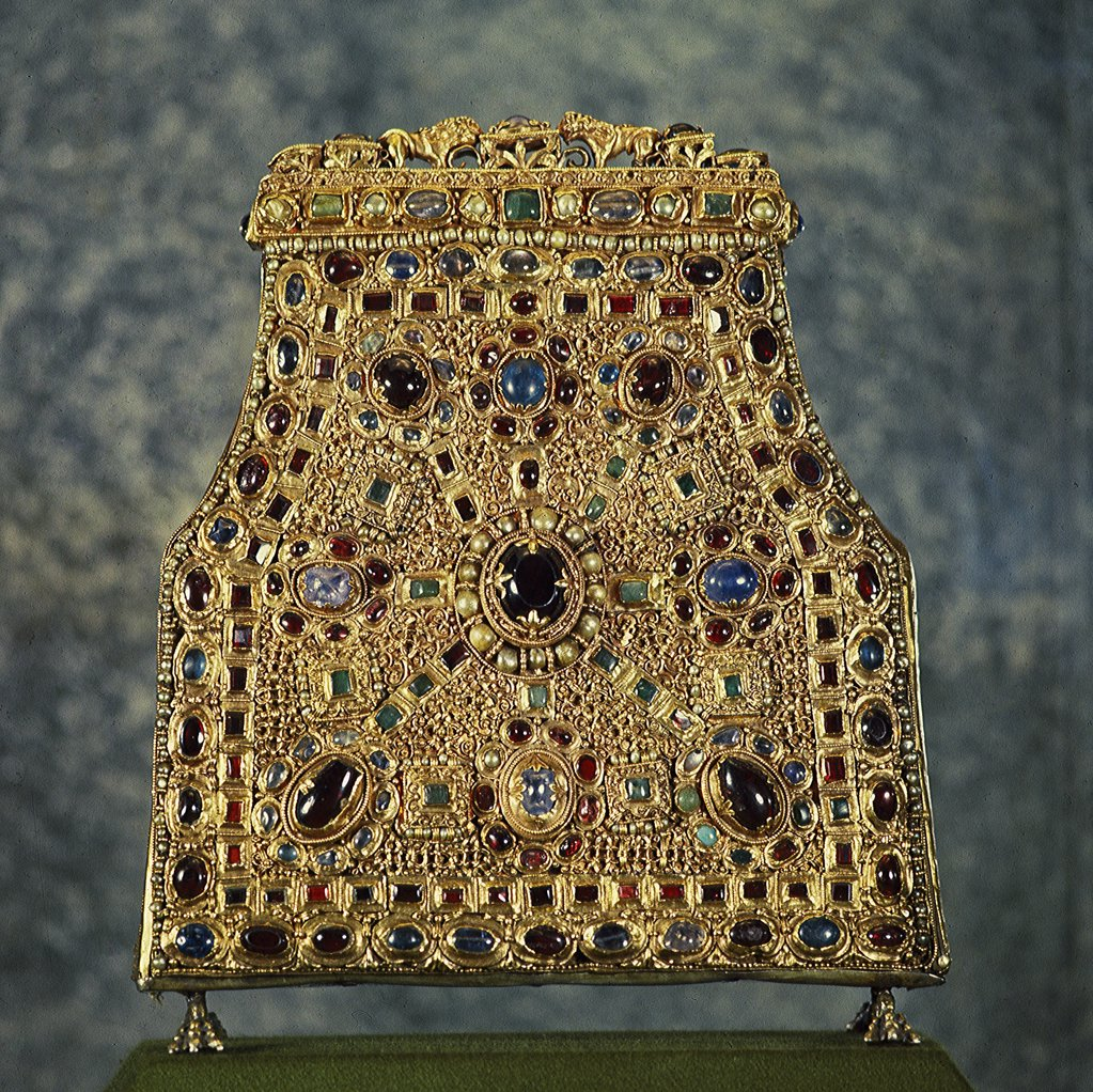 Stock Photo: 1899-42207 Reliquary for the Teeth of Saint John. Gift from Queen Theodolinda to the Cathedral of Monza. 8th-9th century. Carolingian Art. Museo e Tesoro del Duomo, Monza, Italy .