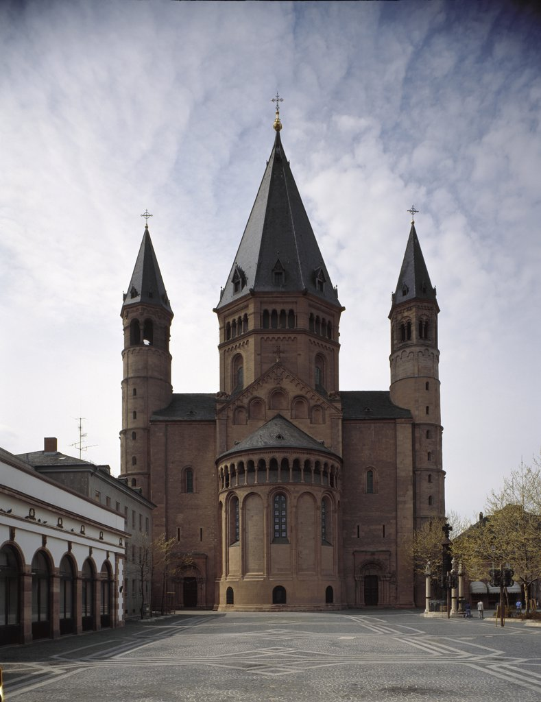 Stock Photo: 1899-42480 Romanesque Art: Apse of St Martin's Cathedral (Mainz Cathedral). Mainz, Germany.