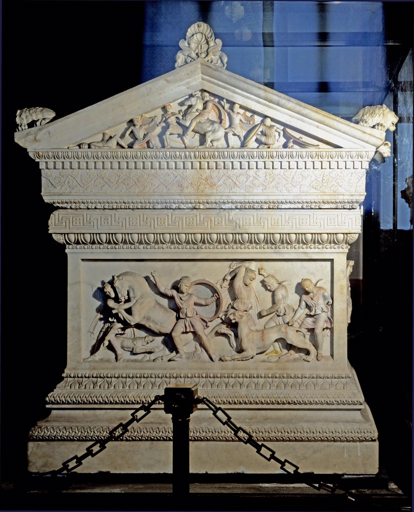Greek Art: The Alexander Sarcophagus, from the royal necropolis at Sidon. Stone sarcophagus adorned with bas-relief carvings of Alexander the Great. 195 x 318 x167 cm, 4th century BC. Archaeological Museum, Istanbul, Turkey.  : Stock Photo