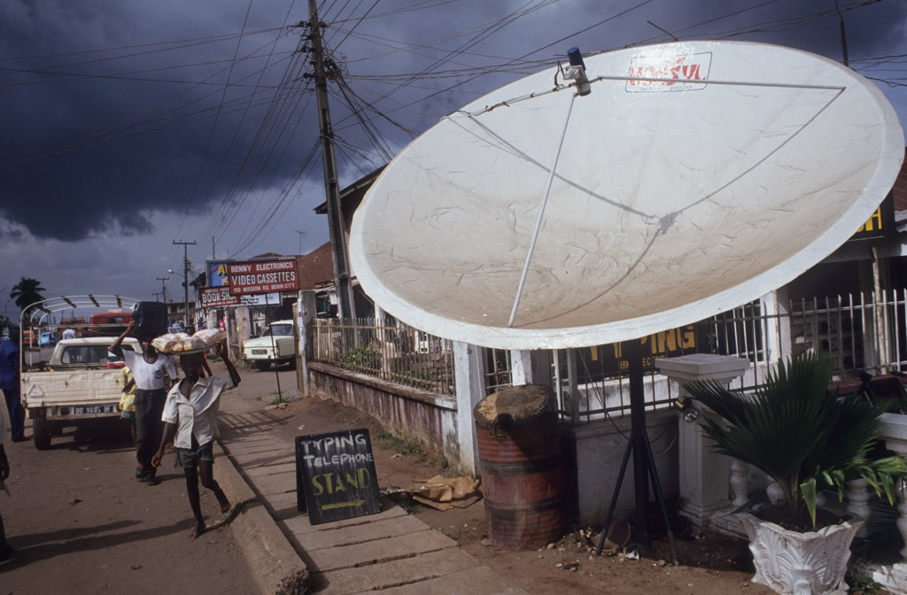 Stock Photo: 1899-43747 SATELLITE DISH, NIGERIA. Benin City. .
