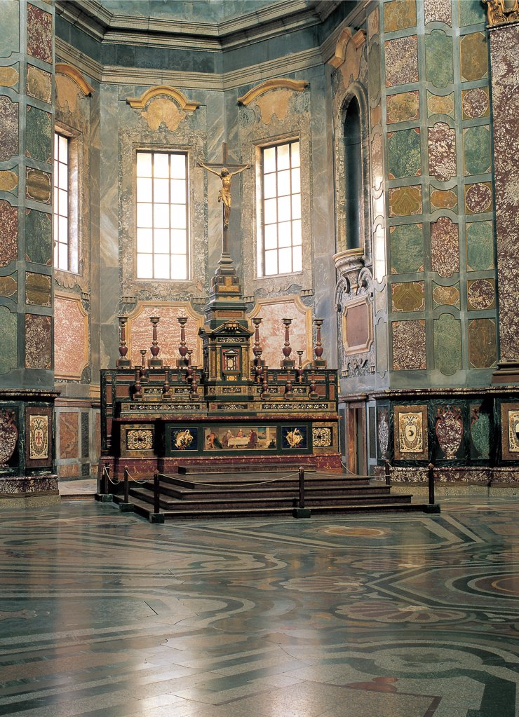 Stock Photo: 1899-44845 Chapel of the Princes at the San Lorenzo Church in Florence, by Giovanni de' Medici, Nigetti Matteo, 1604, 17th Century, dark marble, semi, precious stones, mother, of, pearl, lapis lazuli and coral. Italy: Tuscany: Florence: San Lorenzo basilica: Medici Chapel. Internal view chapel Principi San Lorenzo Florence octagonal space dome inlay spectacular effect wainscot coat-of-arms 16 Tuscan towns loyal Medici family alcoves atrium altar sarcophagi hidden rooms crypts