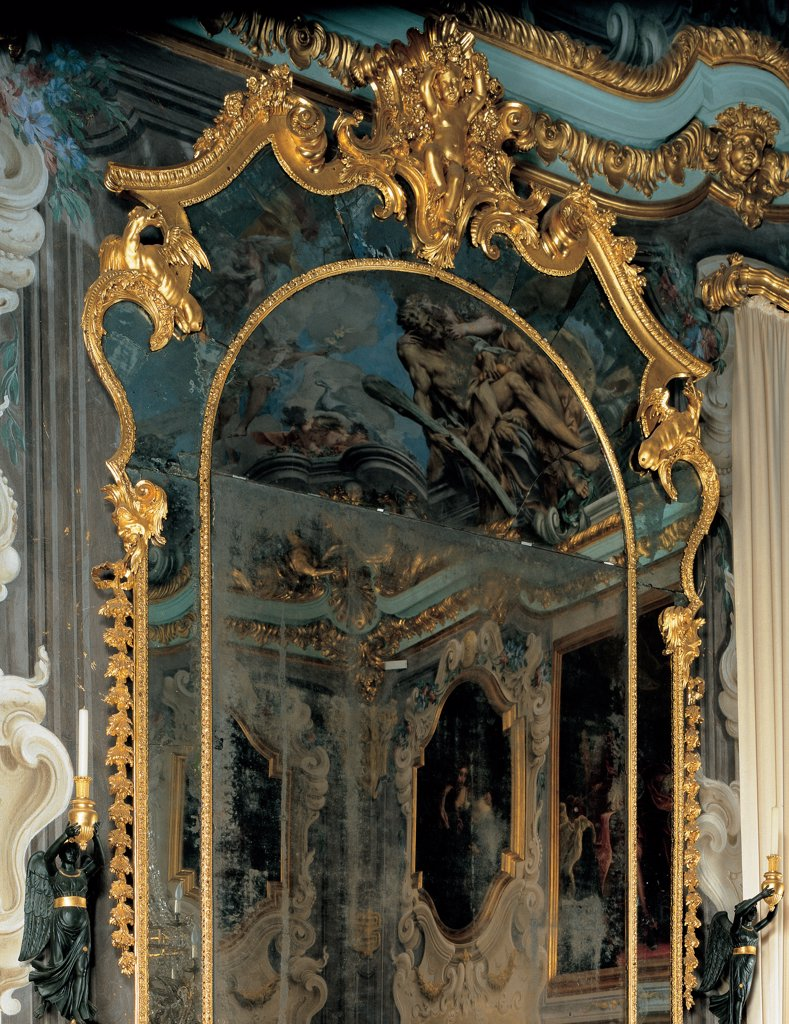Stock Photo: 1899-46070 Pier-glass, by Mongiardino Francesco Maria, 1736, 18th Century, inlaid and gilded wood. Italy: Liguria: Genoa: National Gallery of Palazzo Spinola. Detail. Pier-glass mirror frame rinceaux volutes decoration gold stuccowork