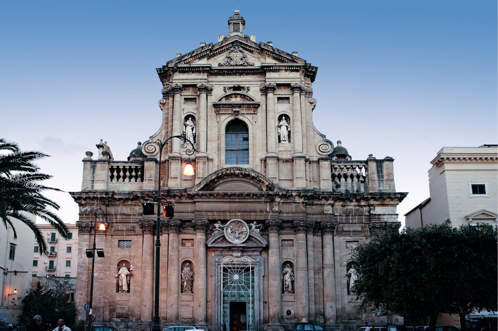 Stock Photo: 1899-46431 Palermo, Church of Sante Anna e Teresa alla Kalsa, by Amato Giacomo, 1686 - 1706, 17th Century, . Italy. Sicily. Palermo. Sante Anna e Teresa alla Kalsa church. W of Chiesa di Santa Teresa alla Kalsa. Palermo Church of Sante Anna e Teresa alla Kalsa facade doorway columns cornice two-tiers architecture pilaster-strips freestanding half-columns statues tympanum/gable balustrades
