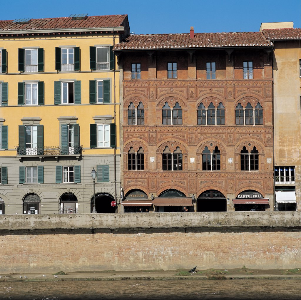 Palazzo Agostini, Pisa, by Unknown artist, 14th Century, brick, fired in mold. Italy: Tuscany: Pisa: Palazzo Agostini. Whole artwork. Facade palazzo brick terracotta relief/molding/decoration pillars portico/porch arches arched lintels two-light windows three-light windows blind loggia red : Stock Photo