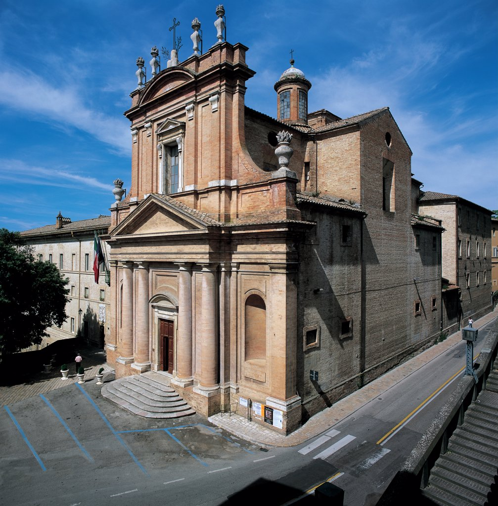 The Church known as Montemorcino Nuovo, by Vanvitelli Luigi, 1740, 18th Century, . Italy: Umbria: Perugia: Montemorcino. View church pink facade steps staircase doorway columns tympanum/gable street road : Stock Photo
