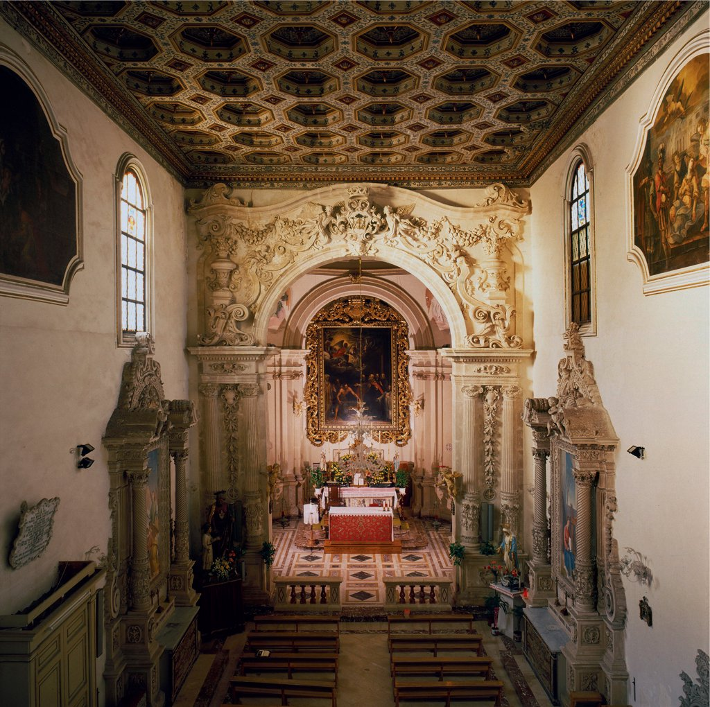 Stock Photo: 1899-46657 San Benedetto Church, by Unknown artist, 16th Century, . Italy: Sicily: Syracuse: Syracuse: San Benedetto Church. Detail. Interior. Nave wooden coffered ceiling stuccoes shrines/aediculae spiral columns balustrades altar altarpiece cornice paintings
